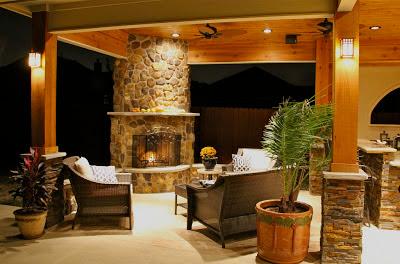 Patio con chimenea y cocina patios y jardines for Cocinas con chimenea