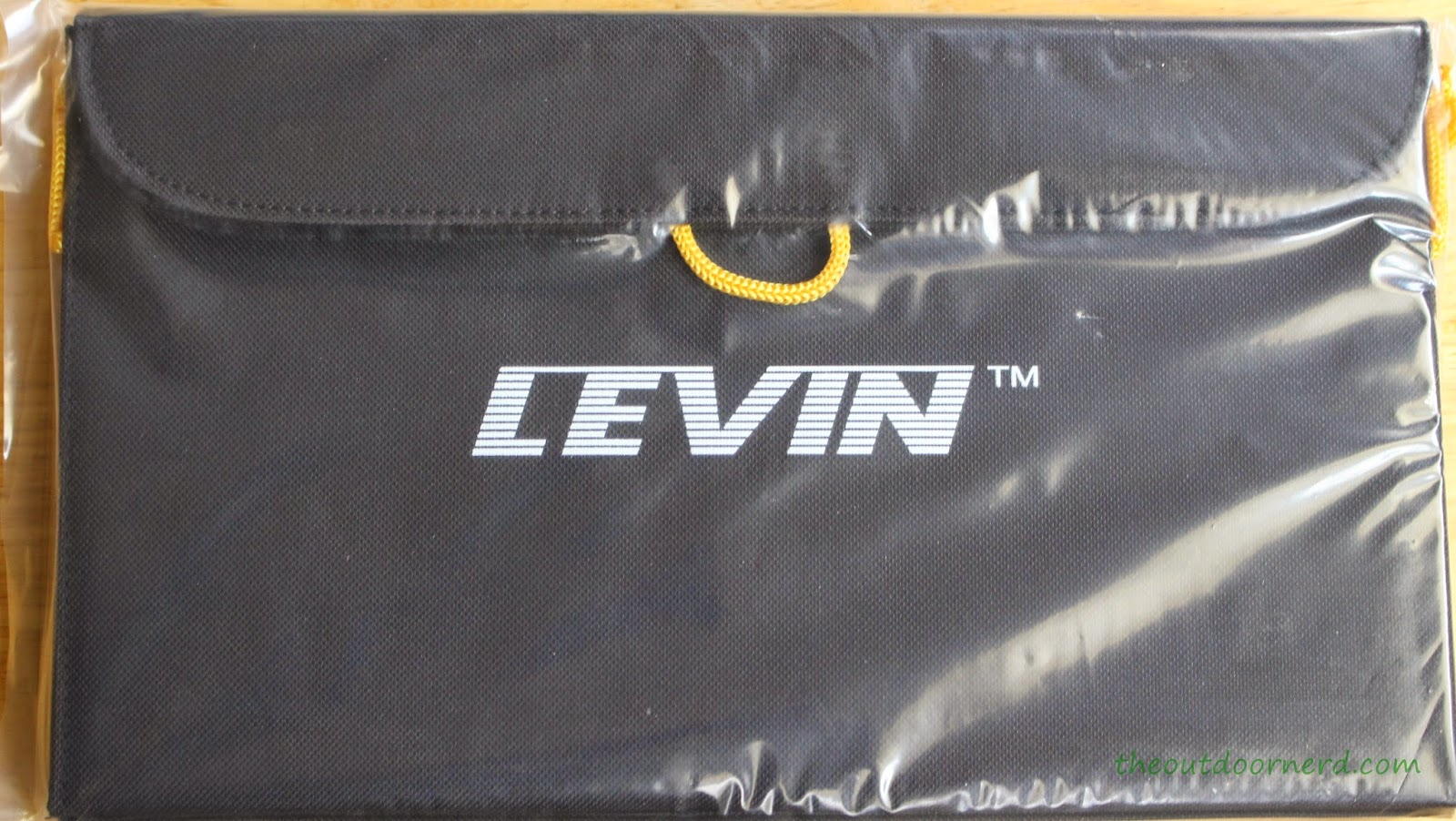 Levin Sol-Wing 13W Solar USB Charger Unboxed 3