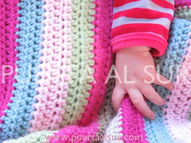 PUERTA AL SUR: Mantitas tejidas, regalo ideal para bebé y la mamá