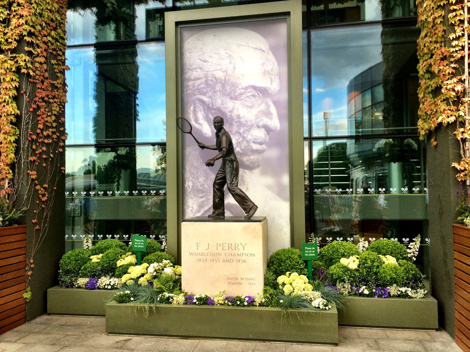 Fred Perry statue - Wimbledon 2014