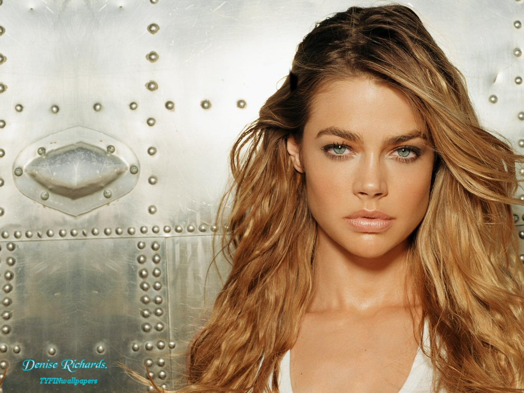 Denise Richards Photos,