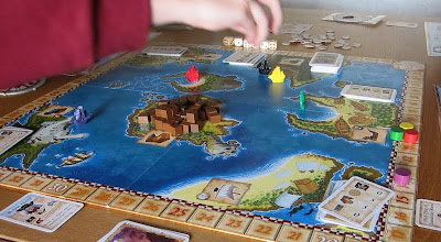 Pirate Cove - The board and components