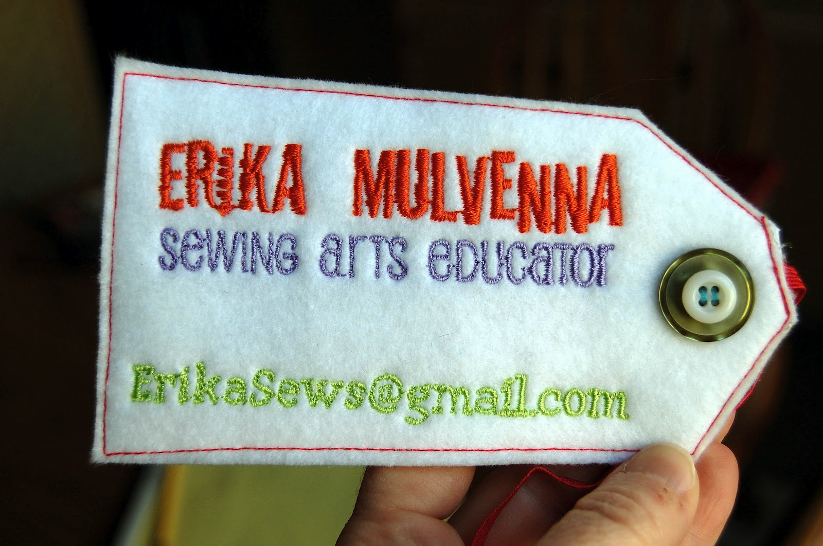 Miss sews it all finished embroidered business cards for those of you whove been asking for details these were created in the bernina v6 designer plus embroidery software i digitized the design on the front colourmoves