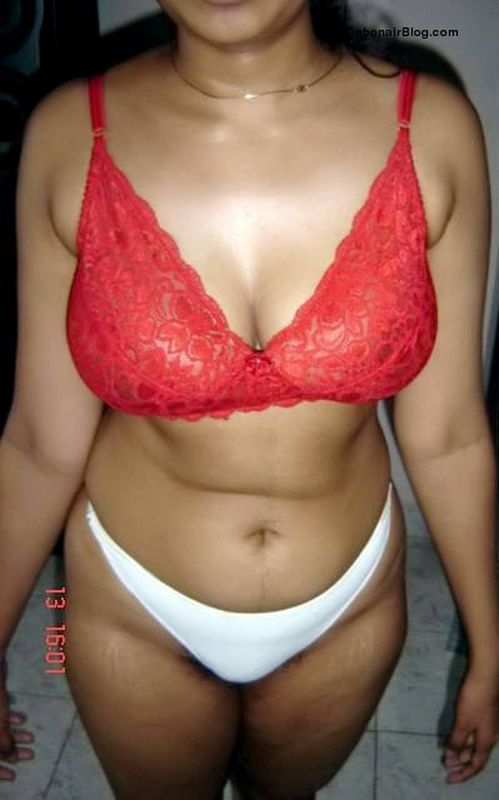 Bra in indian aunty