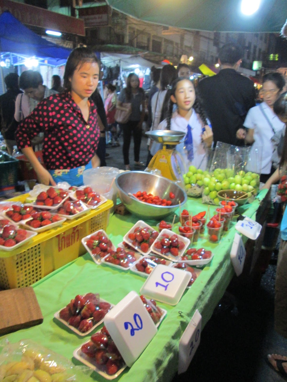 Delicious Thai Dinners Cooked In A Western Kitchen Street Food At The Chiang Mai Winter Orchid