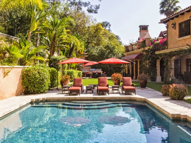 Sofia Vergara purchases $10.6 million Mansion in Beverly Hills by Italian style