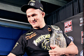 ufc mma heavyweight champion fighter junior dos santos cigano picture image