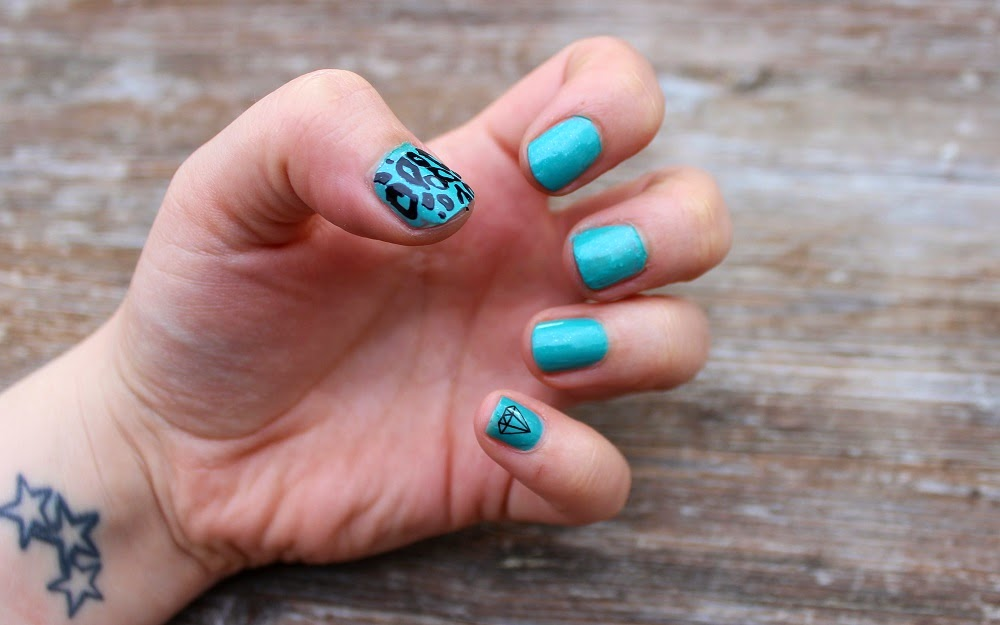 Nail Art: Essie Naughty Nautical polish, Nail Art Nail Tattoos, swatch & review