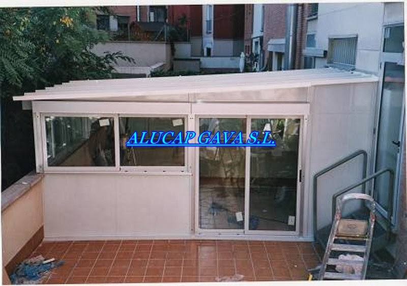 Alucap gava s l cerramiento en terraza for Cerramiento aluminio terraza