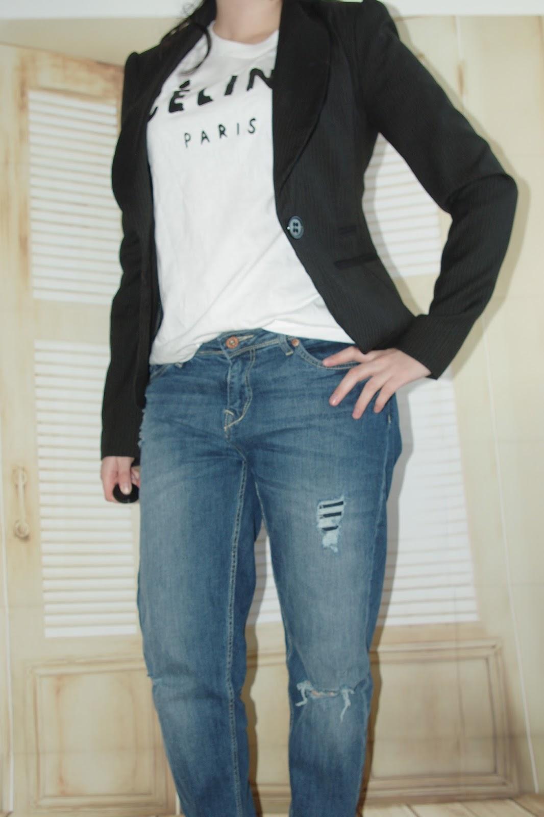 Boyfriend Jeans, Céline-Shirt, Blazer Outfit