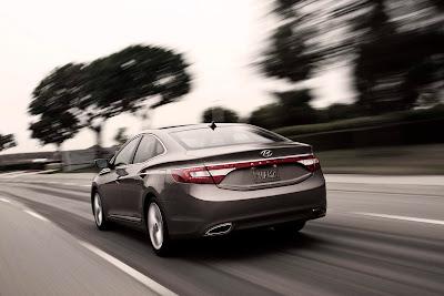 2012-Hyundai-Azera-Rear