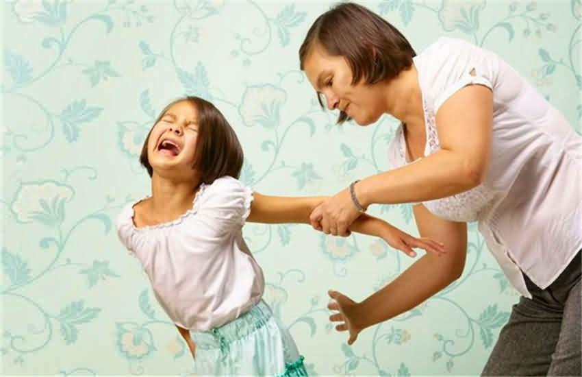 هل تضرب طفلك لتأديبه ؟ اذا اقرأ هذا المقال الهام..