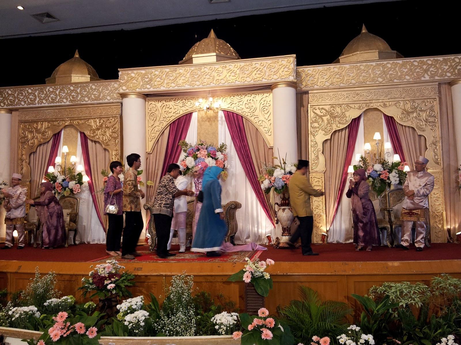 dekorasi pelaminan jeng aka & suami model kubah ala nuansa maroko