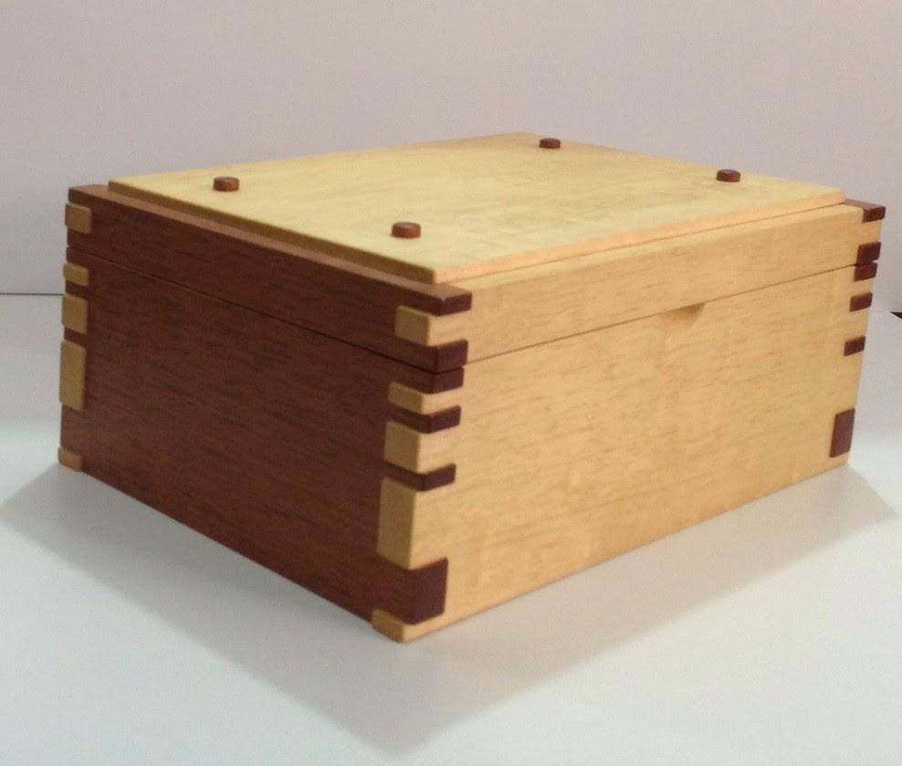 Muebles y accesorios en madera baules con ensambles - Baules de diseno ...