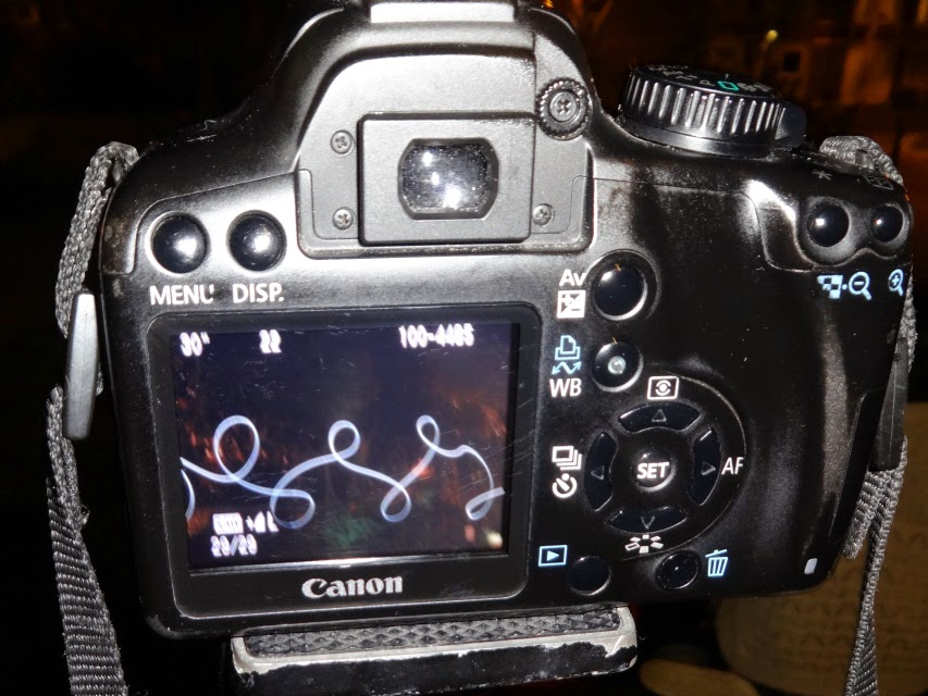 Light painting and capturing on DSLR