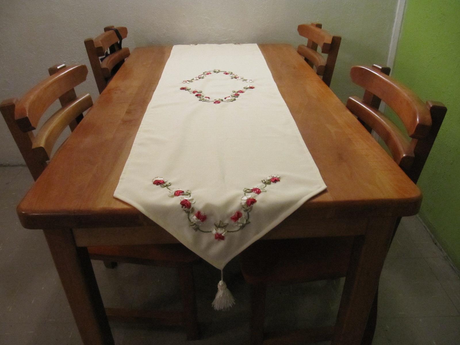 Bordados esmeralda camino de mesa for Caminos para mesas