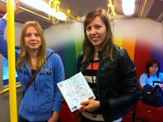 Tatiana Kostiuk et Anne Haast dans le Métro de Vienne © Chess & Strategy