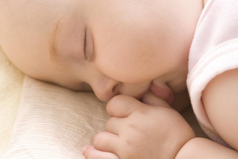 Kumpulan Nama Bayi 3 Kata Terbaik 2012