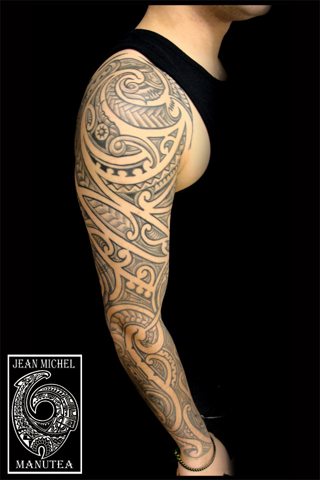 tatouage polynesien polynesian tattoo maori tattoo sleeve. Black Bedroom Furniture Sets. Home Design Ideas