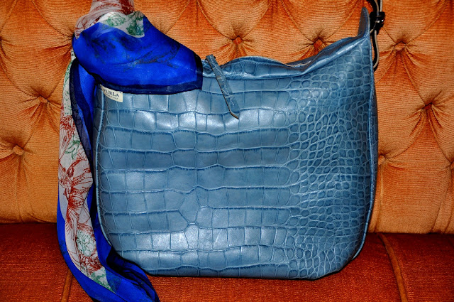 голубая сумка Furla