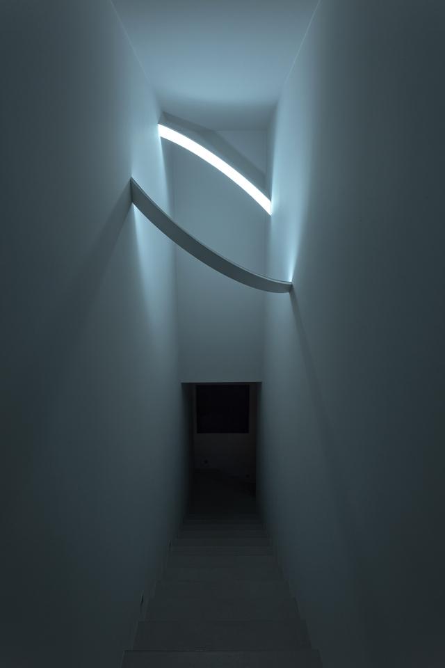 Hallway in Ultra Modern House by architekti.sk, Slovakia
