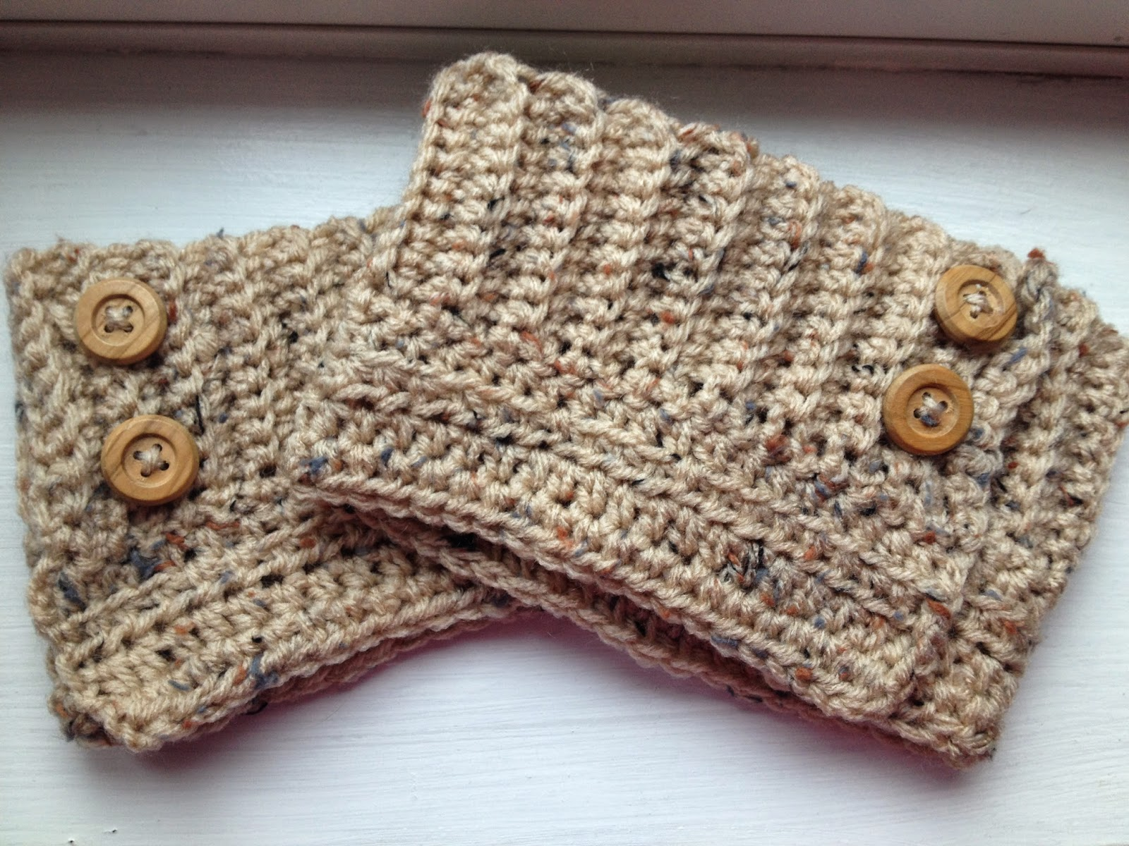 Eat Run Create: FREE: Crocheted Adjustable Boot Cuffs Pattern
