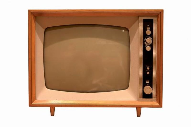 sprakeloos vroeger On van de tv