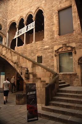 Gothic courtyard inside La Casa Clariana-Padellàs