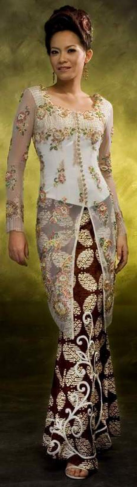 Modern Kebaya, Fashion show women