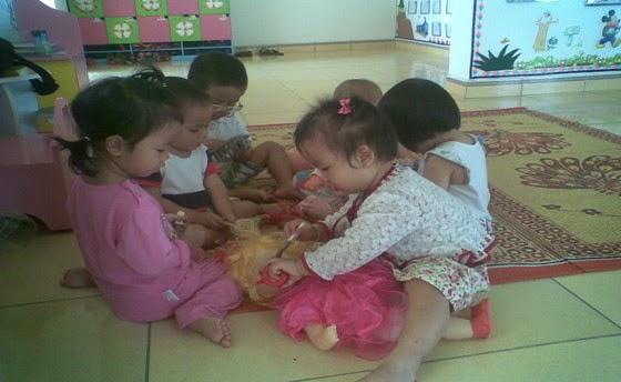 Một số biện pháp dạy kỹ năng sống cho trẻ nhà trẻ