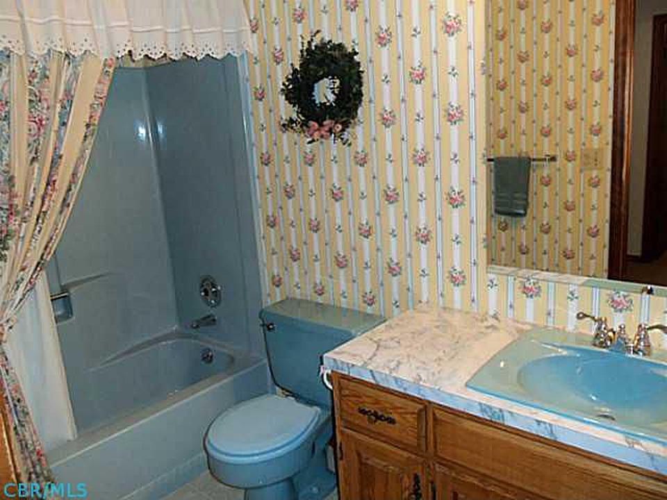 Whitneys Workshop New House The Blue Bathroom - 70s bathroom