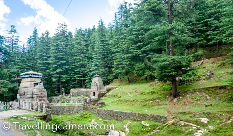 There is another small temple complex on road side when you go towards Jageshwar. We didn't stop here, but it looked more serene and peaceful.