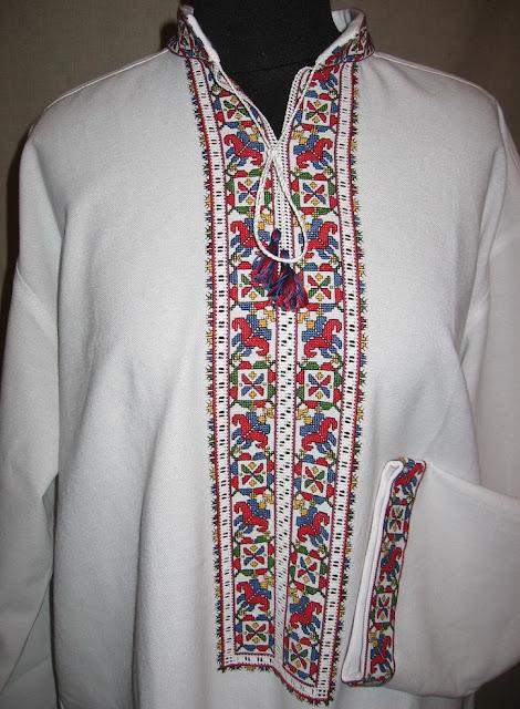 Чоловіка сорочка, вишита хрестиком, автор Руслана Равлюк, Бучач, Україна