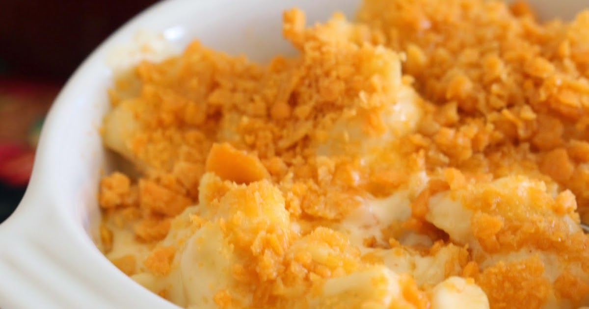 Tortillas and Honey: Macaroni and Cheese with Cheez-It Topping