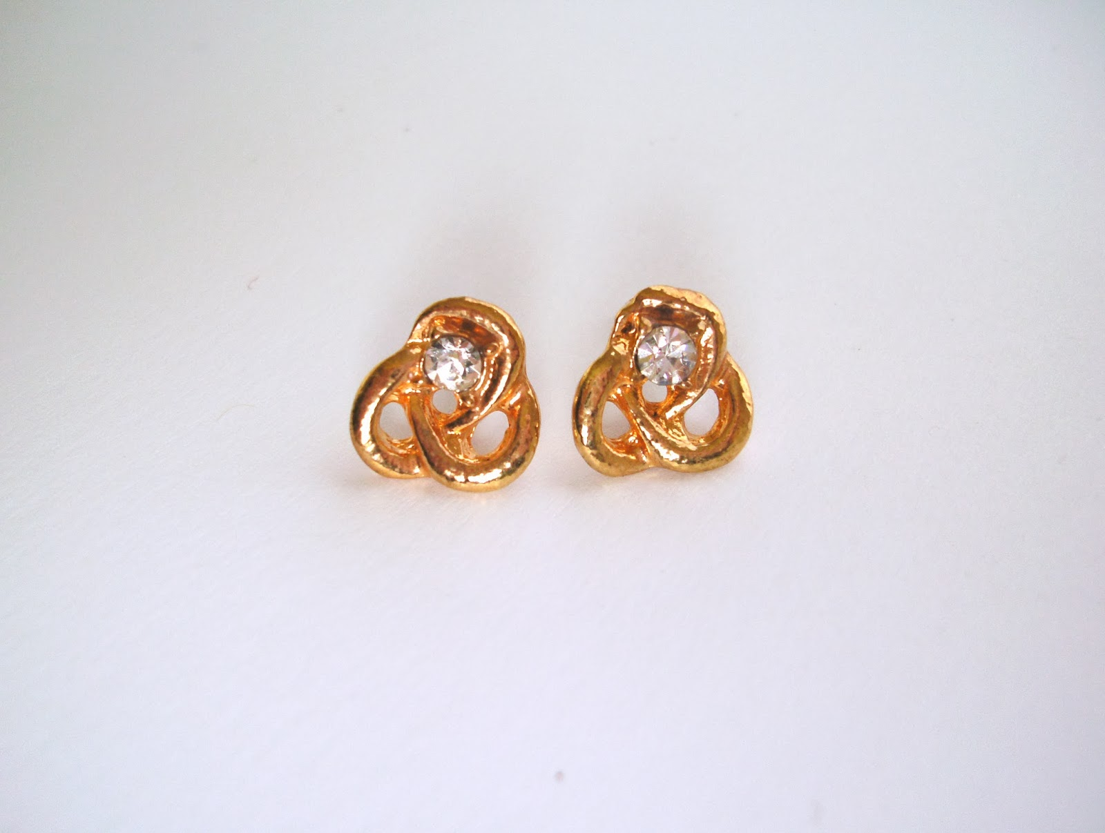 Corean Hot Sale Grace and Exquisite Style Hollow Pattern Earrings