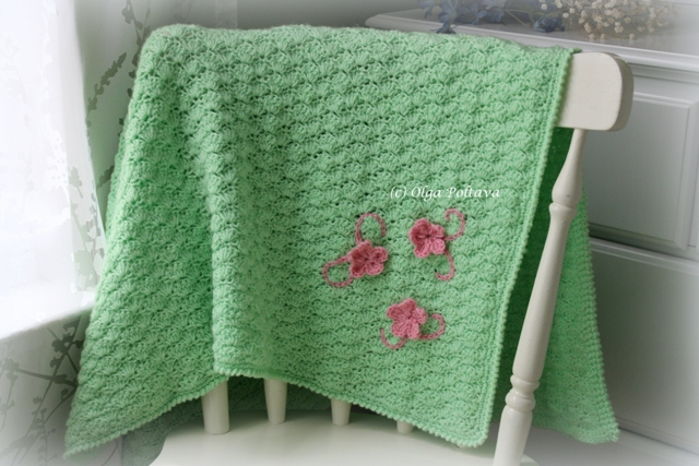Free Crochet Pattern Lacy Baby Blanket : Lacy Crochet: Shells Baby Blanket with Three Flowers, My ...