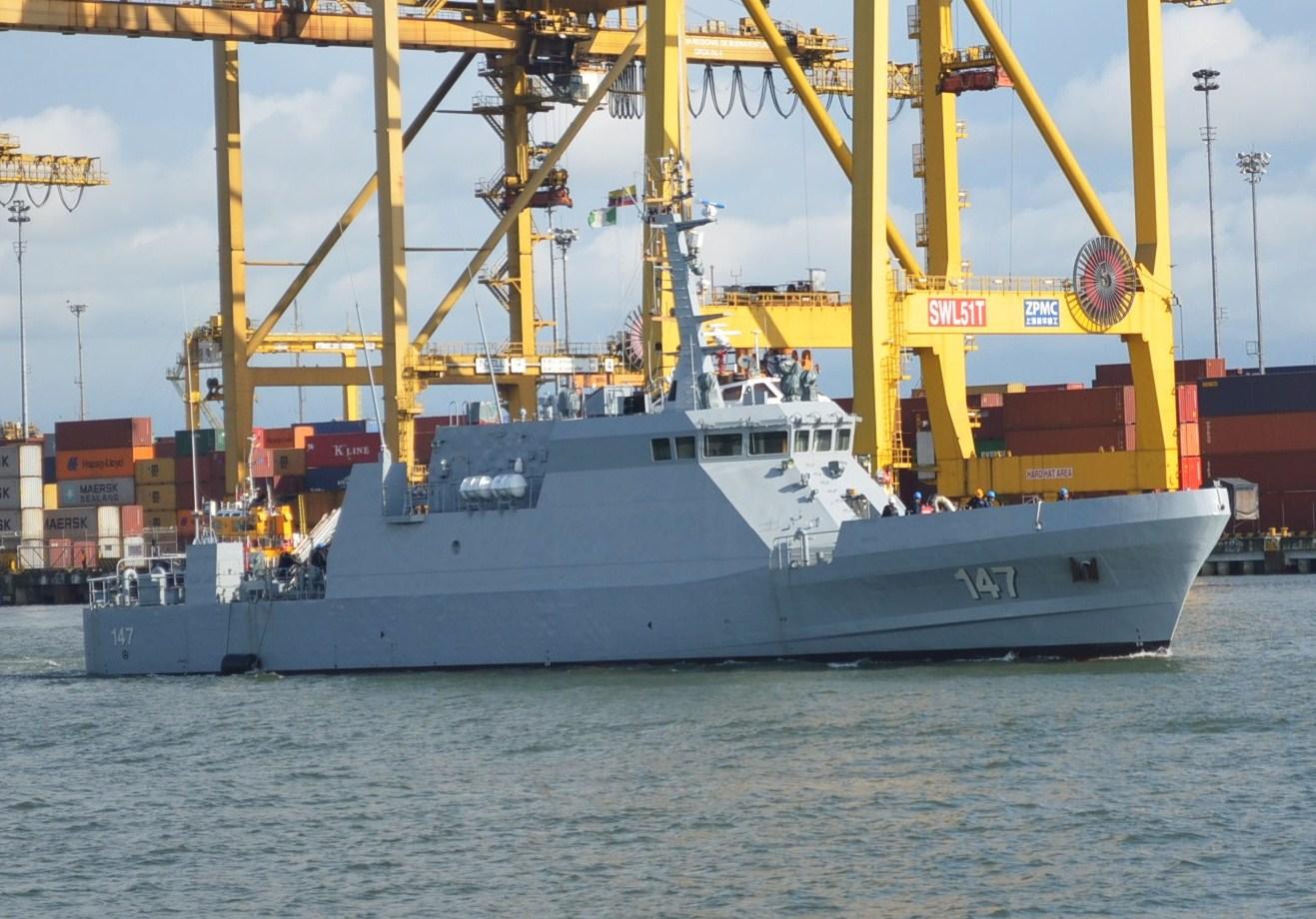 """Los buques ARC """"Punta Ardita"""" y ARC """"Punta Soldado"""" dos patrulleras de costa CPV-46 sueltan amarras para reforzar las operaciones navales marítimas de seguridad y soberanía del país."""