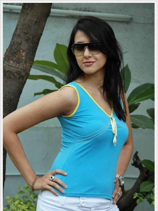 sakshi sivanand, sakshi sivanand stylish actress pics