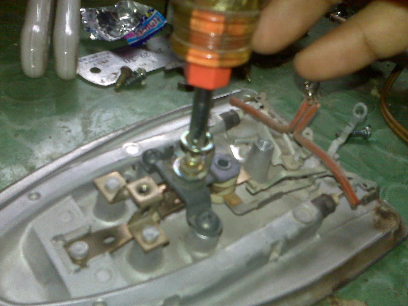 Menyetel Thermostat Setrika