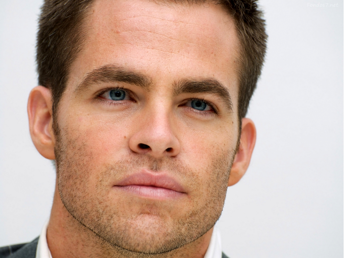 Real Life Hunk Of The Week: Actor Chris Pine, The Gorgeous New Captain