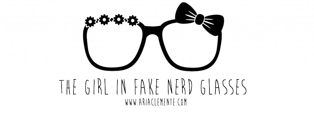  THE GIRL IN FAKE NERD GLASSES 