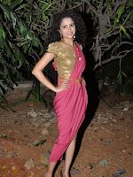 Soumya Sukumar Latest glamorous photos-cover-photo