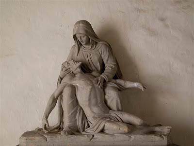 Escultura en la Iglesia de San Martín de Sara (Sare)