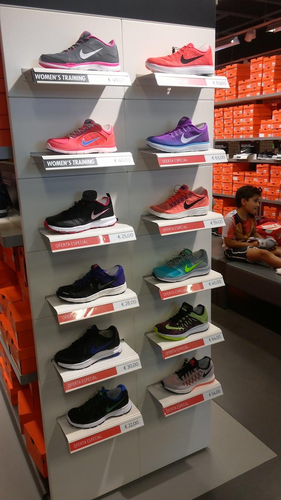 Todas las zapatillas de running y gimnasio de mujer están de oferta. 800d22705ba74