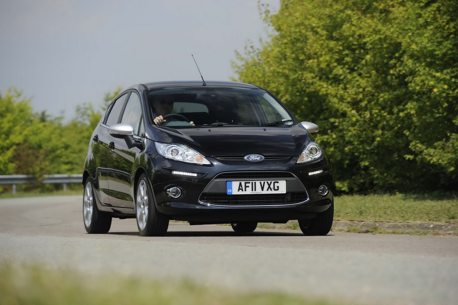 http://2.bp.blogspot.com/-7uemRpm6d4k/TkCt2BqzGSI/AAAAAAAAecU/4TDoSV9nGkI/s1600/Ford-Fiesta-Centura-1.jpg