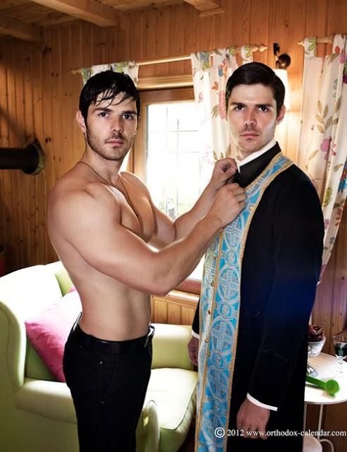 http://gaypornblog.com/wp-content/uploads/2014/05/Logan-Vaughn-GayPornBlog-Interview-1.jpg