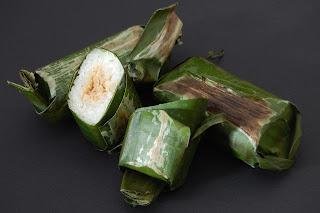 makanan khas indonesia - kue tradisional lemper