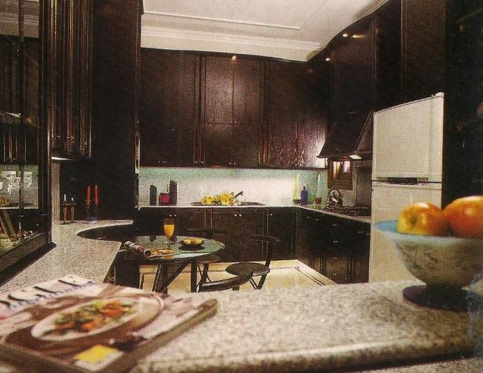 rumah dengan interior yang spesifik
