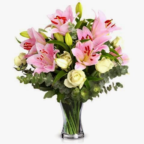 white roses and pink lilies delivery in Romania