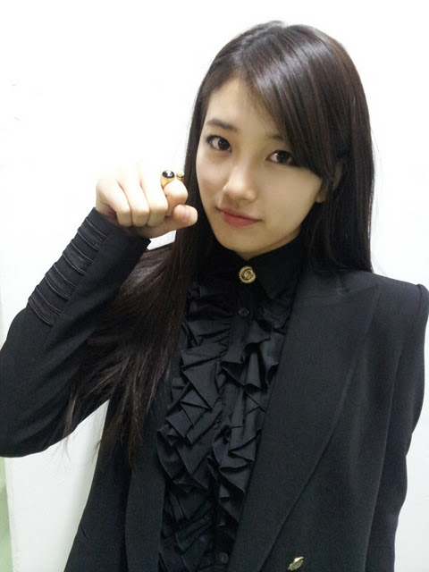 "Cute Suzy Miss A ""as a woman & Girl"""